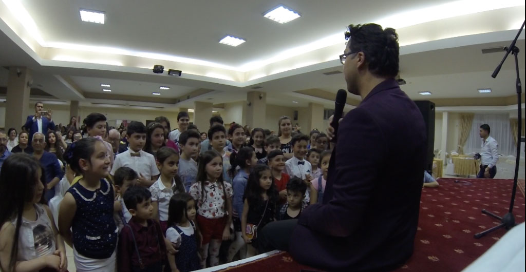 Teaching a song for kids in Aksaray- Turkey
